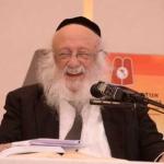 Harav-Boruch-Dov-Povarsky,-Rosh-Yeshiva-Ponovez-while-giving-a-lively-shiur-on-the-2nd-day-of-Yarchei-Kallah