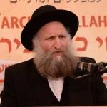 Harav-Dovid-Feinstei,-Rosh-Yeshiva-Bais-Yehuda,-Bnei-Brak-giving-a-shiur-neila-at-the-16th-Aguda-Yarchei-Kallah